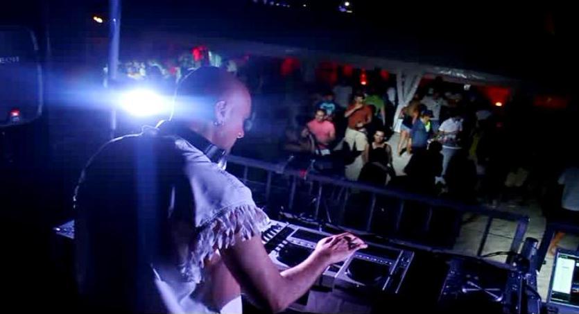 DJ TISSUE